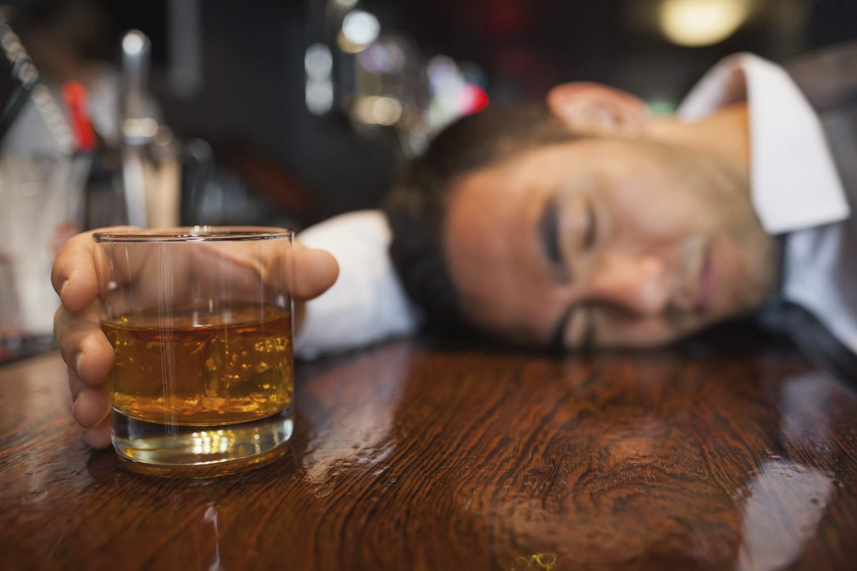 Alcohol and sleep: knock off the nightcap